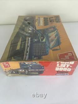 AMT FORD LNT 8000 TRACTOR LOUISVILLE LINE MODEL KIT 1/25 SCALE VINTAGE Sealed