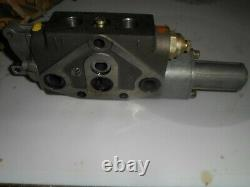 NOS OEM 5171281 87374242 New Holland Remote Hydraulic Valve fits TN75D Tractor